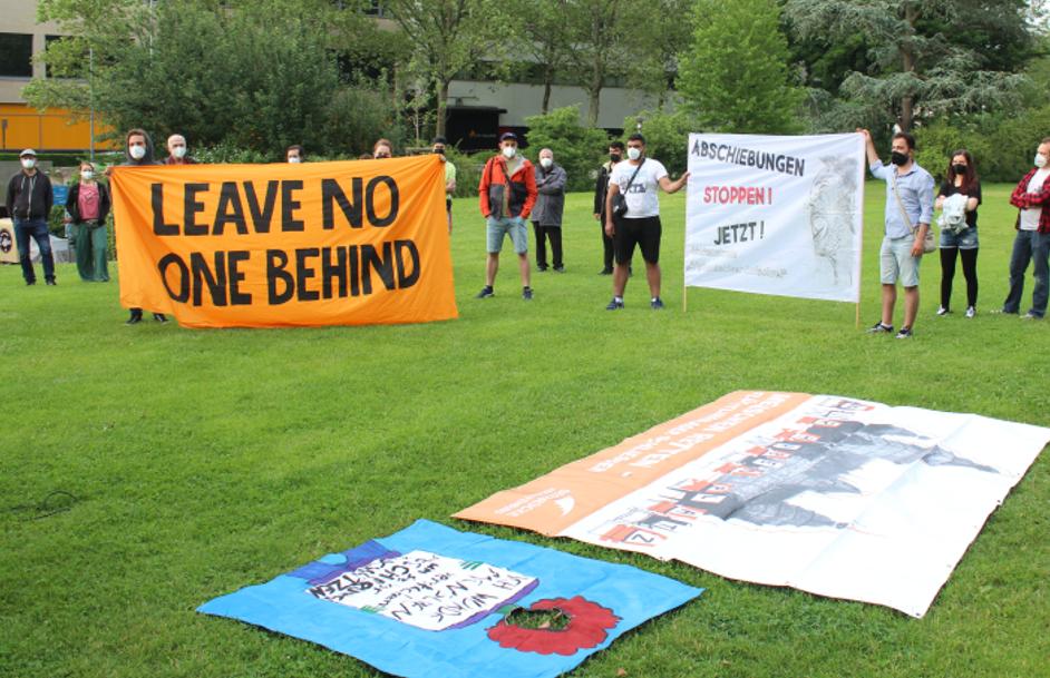 Foto privat: Aktion gegen die Abschiebung vor der City-Galerie am 07. Juni